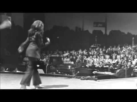 The Ronettes - Shout
