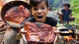 Survival Skills Primitive - Cooking pork rib recipe and eating delicious ep0014