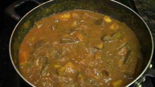 Aloo Baingan Curry ( Potato Eggplant Curry ) Punjabi Style