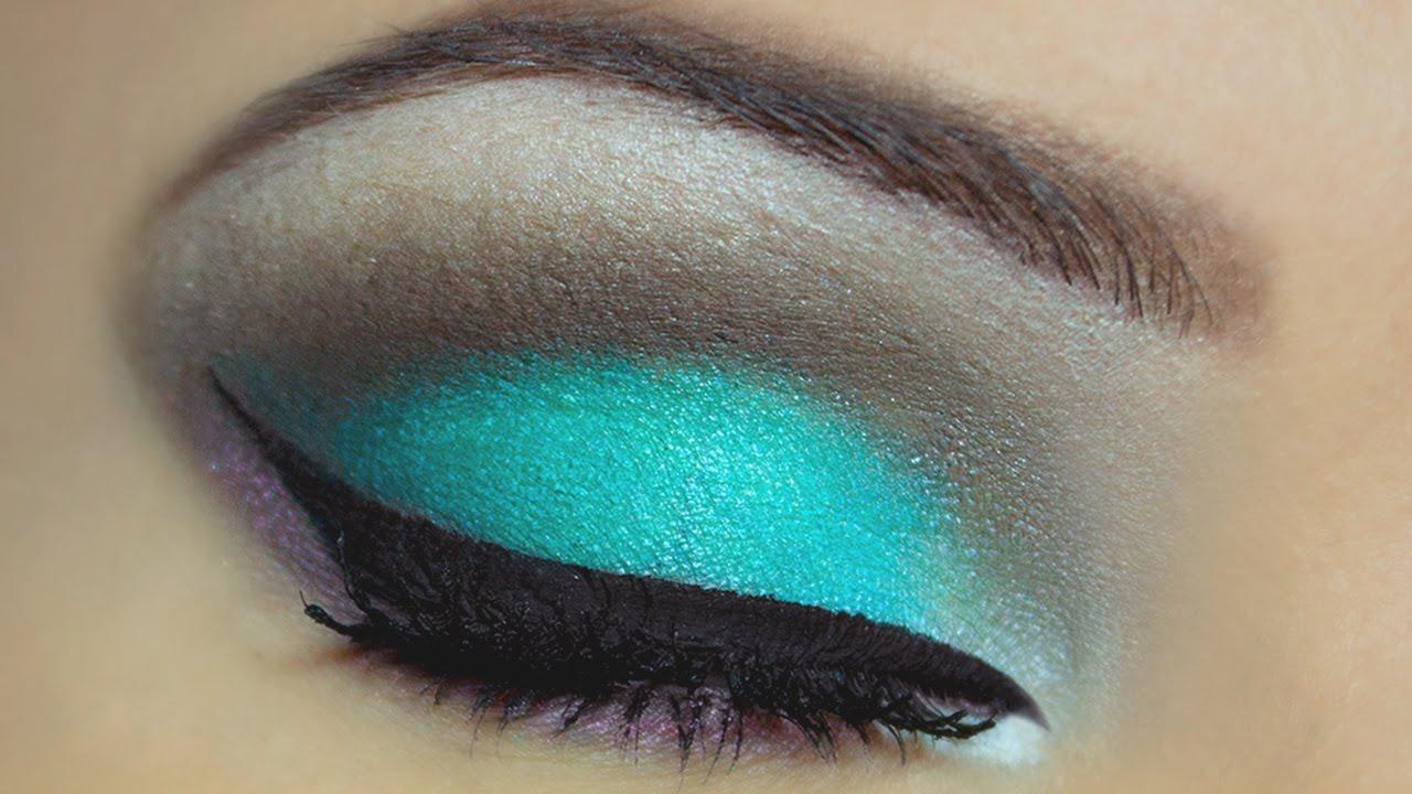 Как сделать яркий макияж глаз