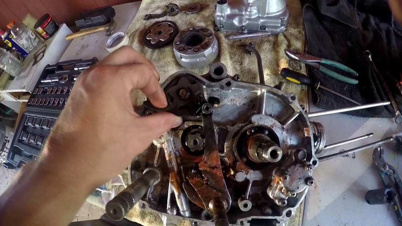 honda ct110 rebuild part 19 engine split internal transplant rh youtube com Chevy Engine Rebuild Kits Engine Rebuilders Warehouse