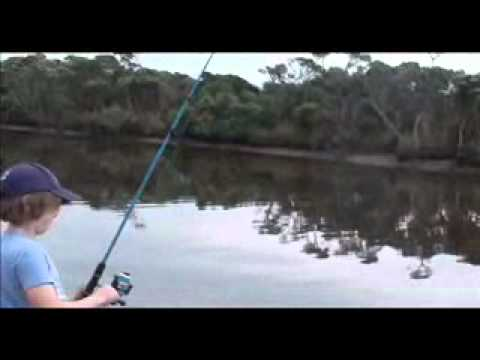 Kids have fun fishing Tarwin River & Anderson Inlet Fishing Guide