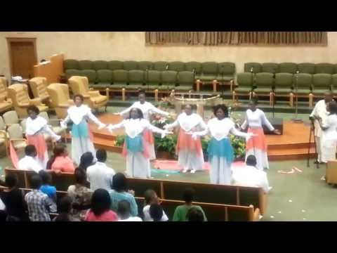 Psalm 150- Vashawn Mitchell Praise Dance