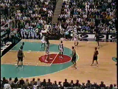 new concept dcbda 49b7d Michael Jordan 1995 vs Grizzlies - 19 points in final 6 minutes ...