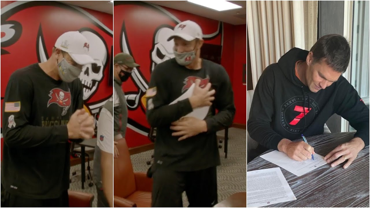 Rob Gronkowski Signing His Buccaneers Contract Is PURE COMEDY 💀