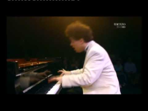 Evgeny Kissin in Waltz No 6 Op 64 No 1 by Chopin