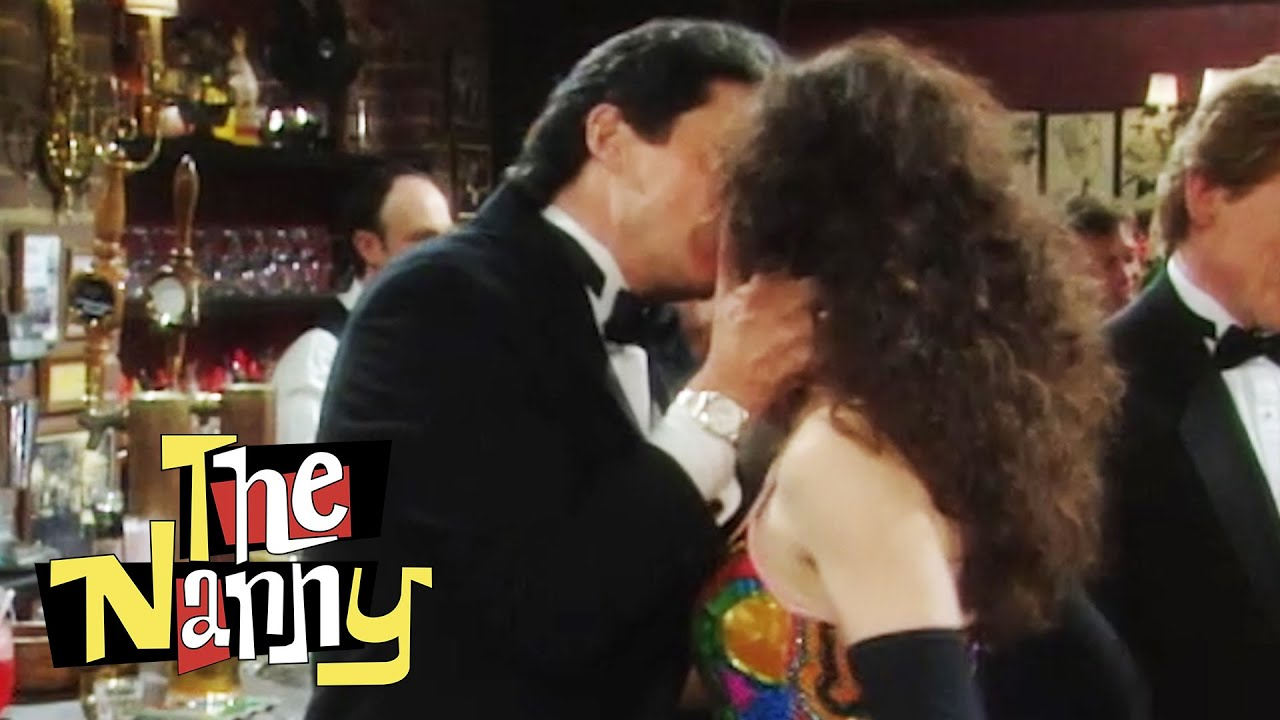 Download Fran and Maxwell's First Kiss   The Nanny