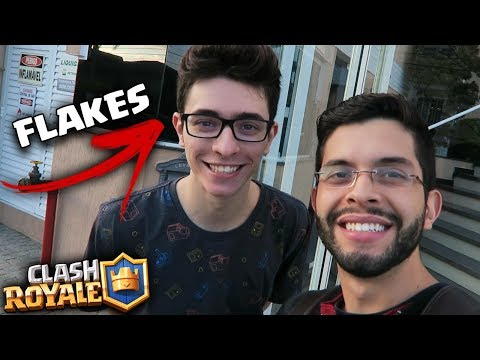 INVADI A CASA DO FLAKES POWER PARA JOGAR CLASH ROYALE!