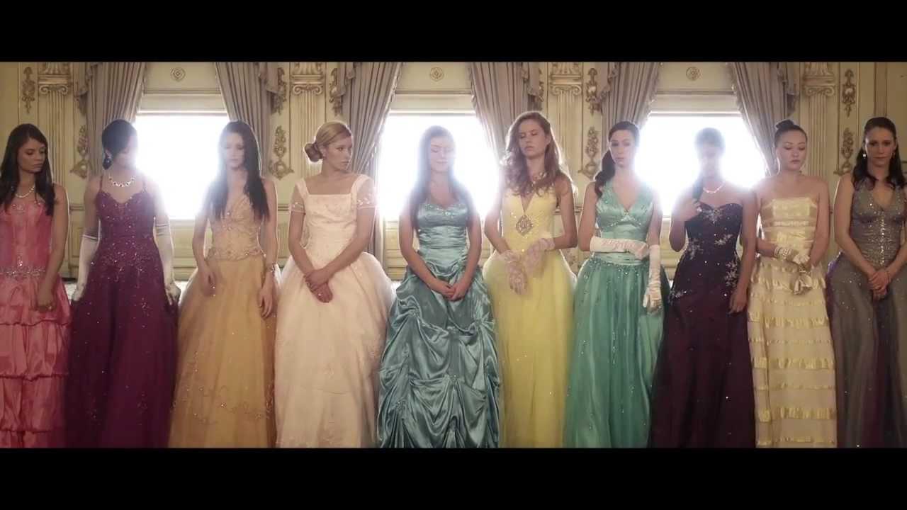 Kiera Cass - The Selection - Trailer
