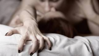Почему нельзя заниматься сексом при месячных?
