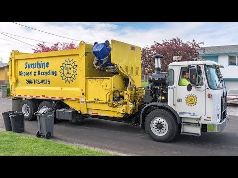 Autocar ACX - Heil MultiTask SL Garbage Truck