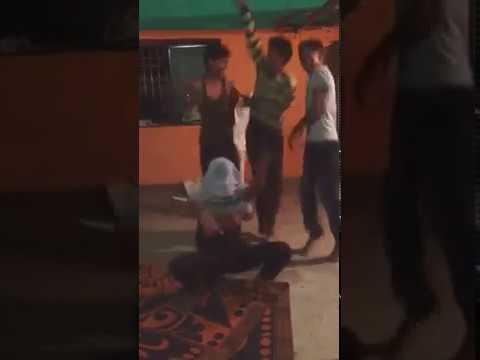 Boys Dancing on Marathi DJ Song Gadulach pani : Whatsapp funny video