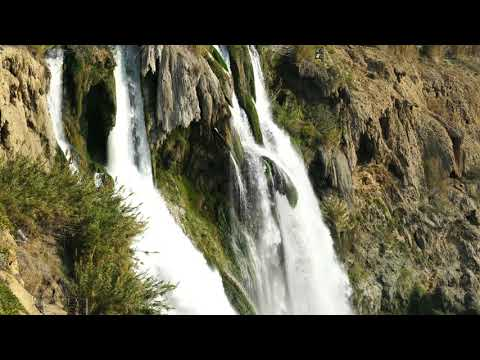 very-relaxing-6-hour-video-of-large-waterfall