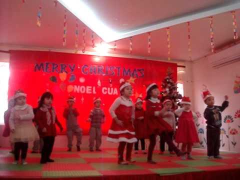 Bài múa Jingle Bells của các bé lớp mầm trường Hà Nội - Kinderland