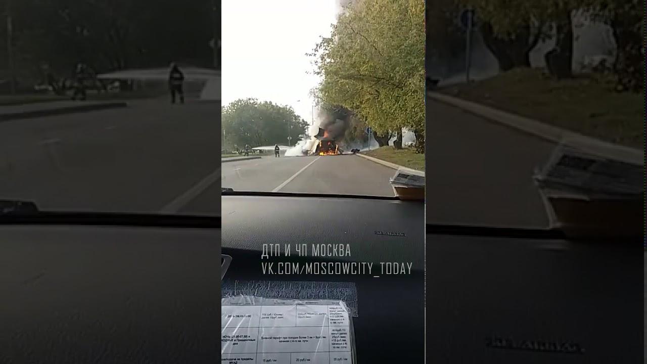 Две машины сгорели и взорвались в Отрадном на Березовой аллее Пожар Отрадное чп