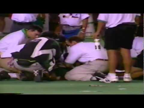 Oregon LB Curtis Moore huge hit on kickoff return vs. Hawaii 9-10-1994