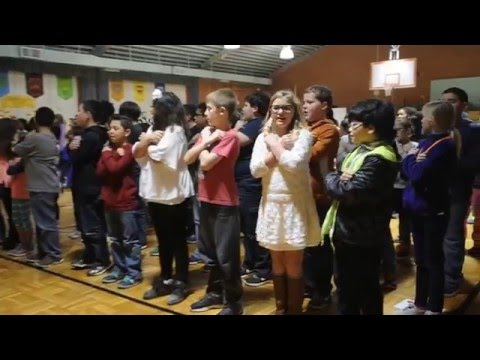 Dyess Elementary School students sing