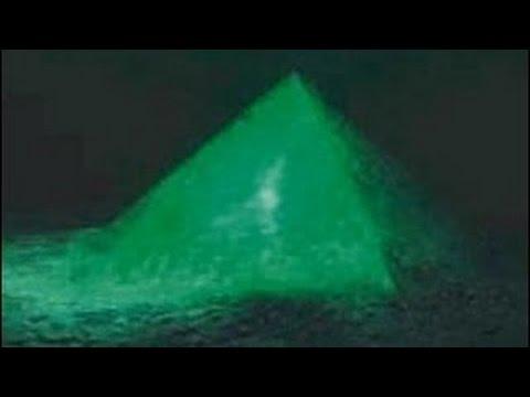 Geheimnisvolle Schwarze Löcher im Bermuda-Dreieck !? [Doku Universum 2015]