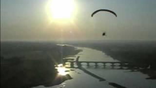vol paramoteur le long de la Loire entre Montjean et Béhuard le 6 aout 2009 - PPG