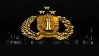 IBU TRI SUSWATI. ISTRI KAPOLRI JENDERAL POL TITO KARNAVIAN.