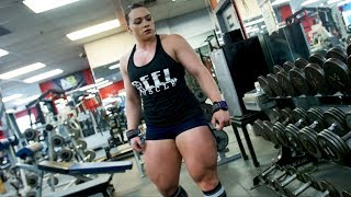 Does Tamy have the Biggest Legs In The World?!