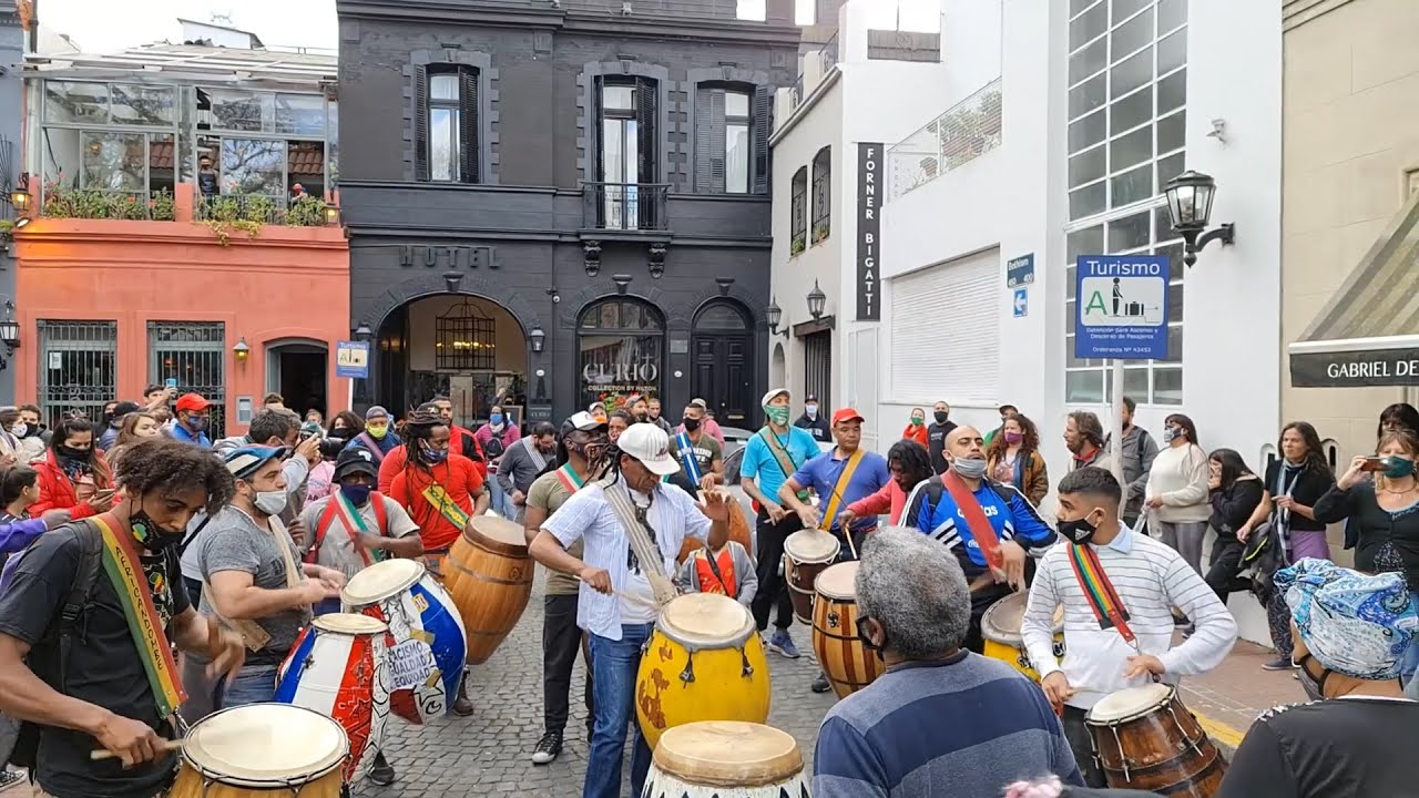 Afrodescendientes realizaron una llamada de candombe para visibilizar sus reclamos de igualdad