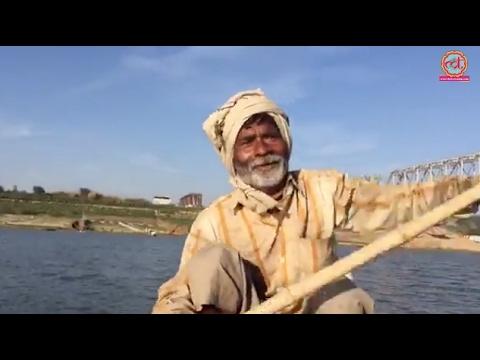 यमुना में नाव चलाने वालों ने सुनाए डकैतों के किस्से | The Lallantop