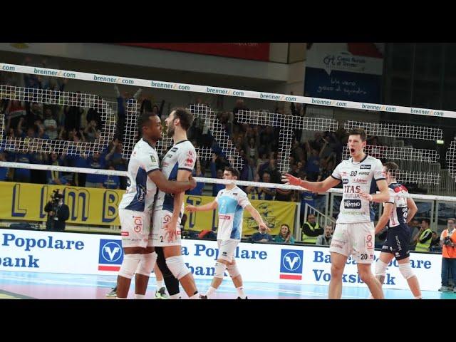L'esordio di Sosa Sierra: attacco nei quattro metri che chiude il match con Piacenza!