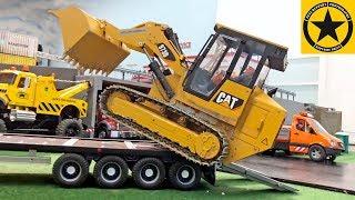 BRUDER TOYS Construction ♦ Bruder Dozer CATERPILLAR 973D ♦ Full Metal RC Track Loader For Children