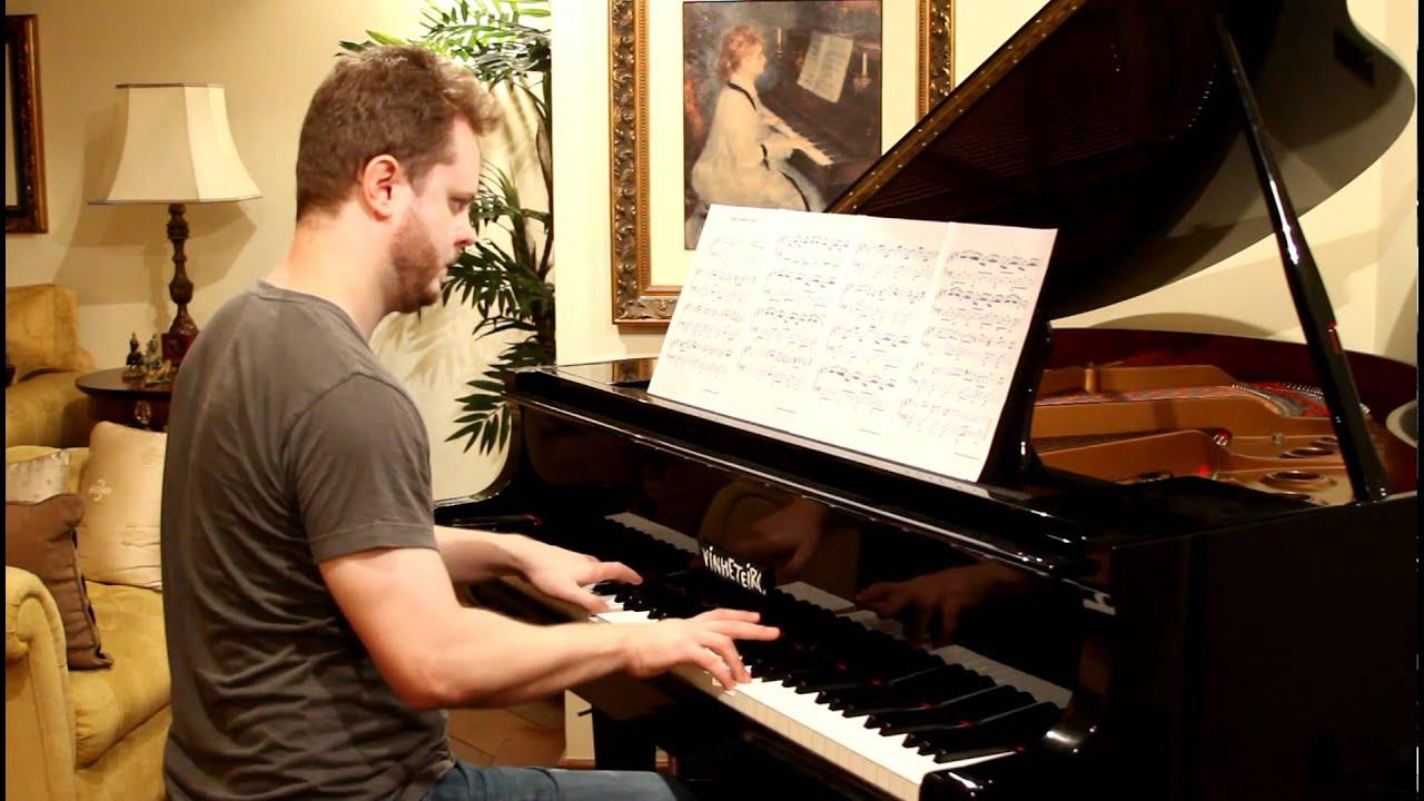 Intalnire de pianist masculin