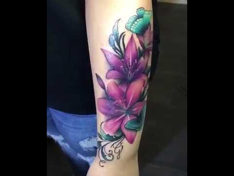 Tatuajes En El Brazo Flor Y Mariposas Pro Arts Barcelona Youtube