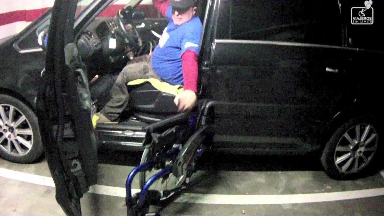 Subir o bajar la silla de ruedas del coche de forma