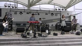 2013年5月19日の「ひなたぼっこライブ」にて。 ガールズバンド「ねごと...