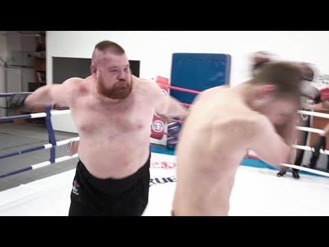 Безумный бой Дацик 150 кг против двоих бойцов / TRUE GYM FIGHTS