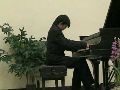 Sam Xu plays Benjamin Lees Toccata