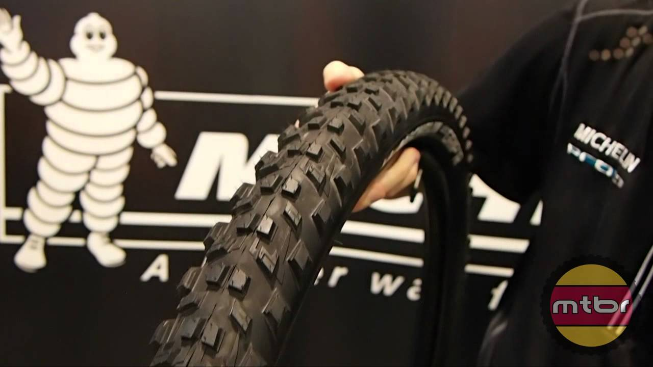 interbike michelin 650b prototype wild grip 39 r and wild race 39 r tires youtube. Black Bedroom Furniture Sets. Home Design Ideas