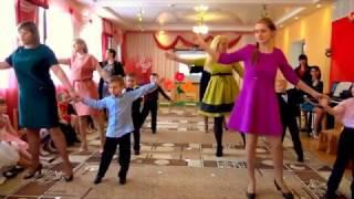 Танец с мамой на 8 марта в детском саду