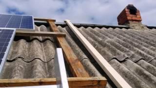 видео Солнечные батареи на крышу: варианты установки, наклон