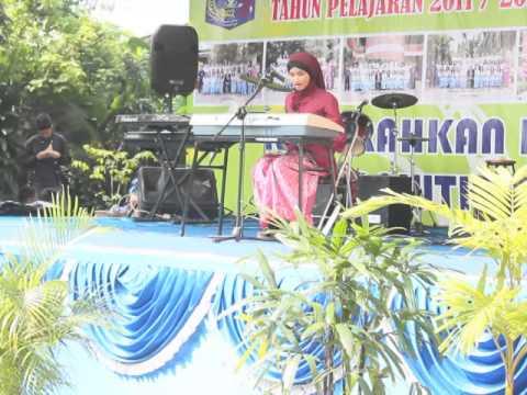 Bella Almira, Bunda wisuda smpn 56 Jakarta' 2012