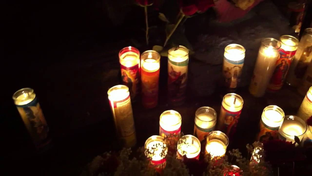 Candle Offering to the Lady of Guadalupe - YouTube