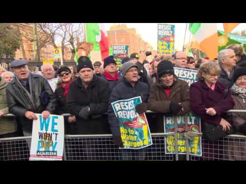 Mass protests in Ireland over water tax