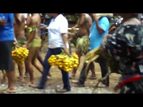 "Tawala Traditional ""Giving"" ceremony (Milne Bay Province - Papua New Guinea)"