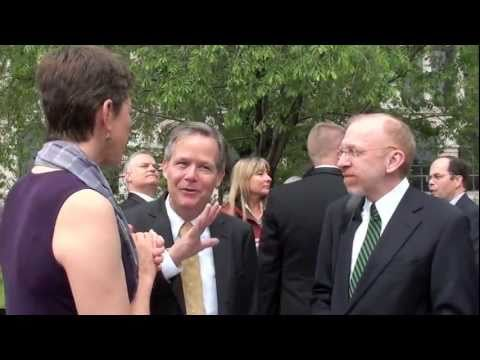 Lt. Governor Simon celebrates first Illinois civil unions