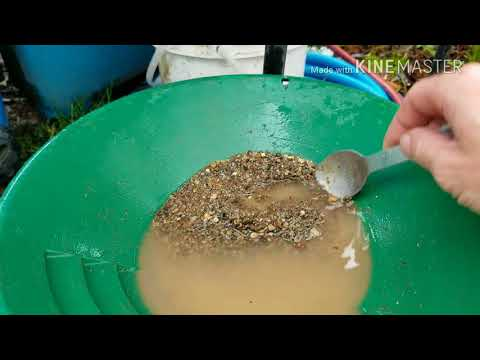 Dirt:30 Homemade mini sluice, crystals and gold.