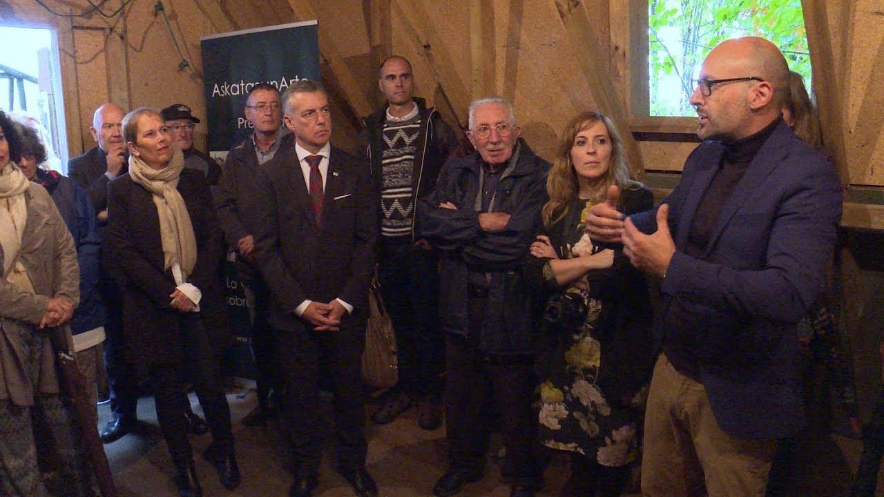 Askatasunarte recibe al Gobierno Vasco y al Gobierno de Navarra en el campo de Gurs   Askatasunarte