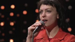 Angel Olsen - Total Control
