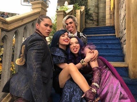 Disney Descendants 3 Cutest Cast Moments *emotional