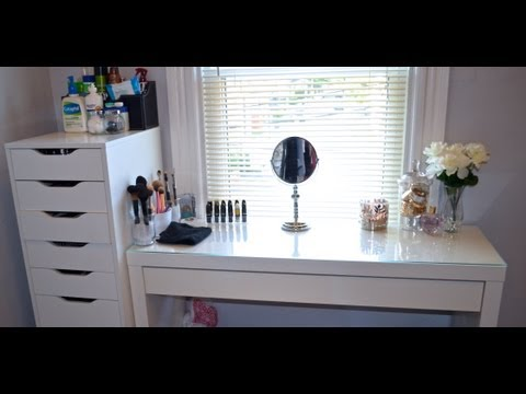 Makeup Vanity/Collection/Organization