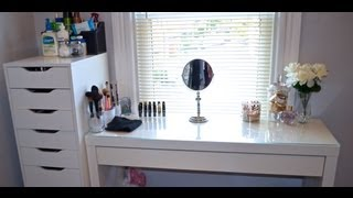 Makeup Vanity/collection/organization