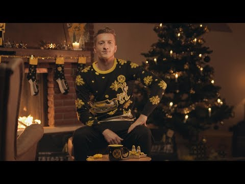 Bvb Weihnachtsbilder.Marco Reus Knits The New Bvb Christmas Sweater Youtube